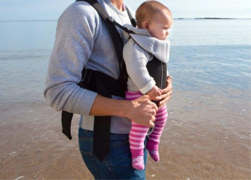 Carrying child in narrow-hip carrier